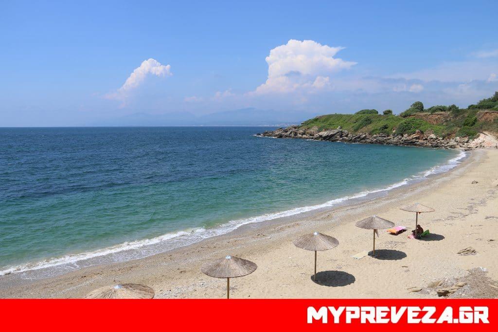 Πεντακάθαρα τα νερά στις παραλίες της Πρέβεζας και όλης της Ηπείρου