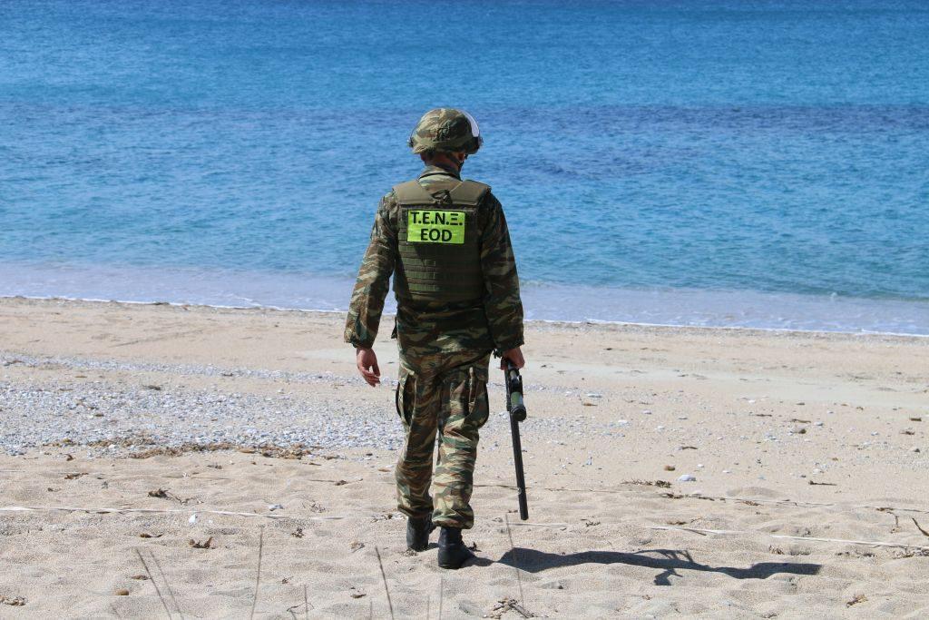 """Το ΤΕΝΞ """"σκανάρει"""" την Παραλία Μονολιθίου για υπολείμματα πολέμου"""