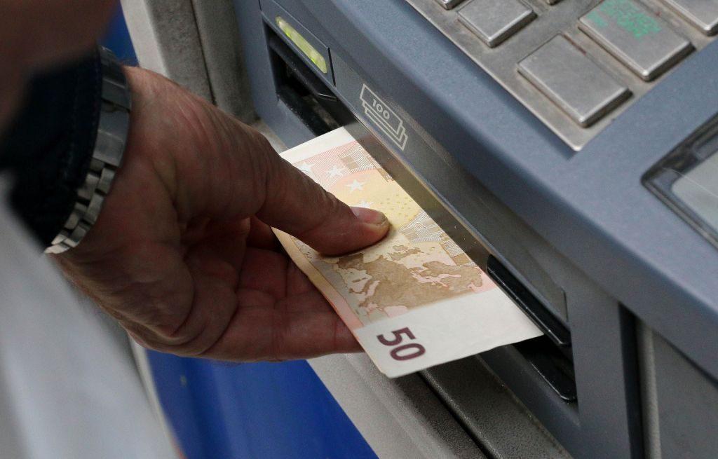 Επίδομα 800 ευρώ και Δώρο Πάσχα: Όλα όσα πρέπει να κάνετε