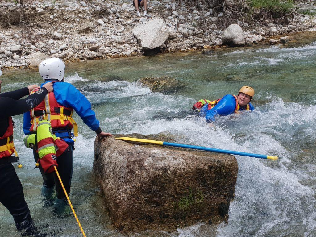 Πρέβεζα: Ολοκληρωμένη πιστοποιημένη εκπαίδευση σε Διάσωση σε ορμητικά νερά και πλημμυρικές για 12 μέλη της Ειδικής Διασωστικής Ομάδας Πολλαπλών Αποστολών (ΕΔΟΠΑ) της Λέσχης Ελλήνων Καταδρομέων Ν. Πρέβεζας