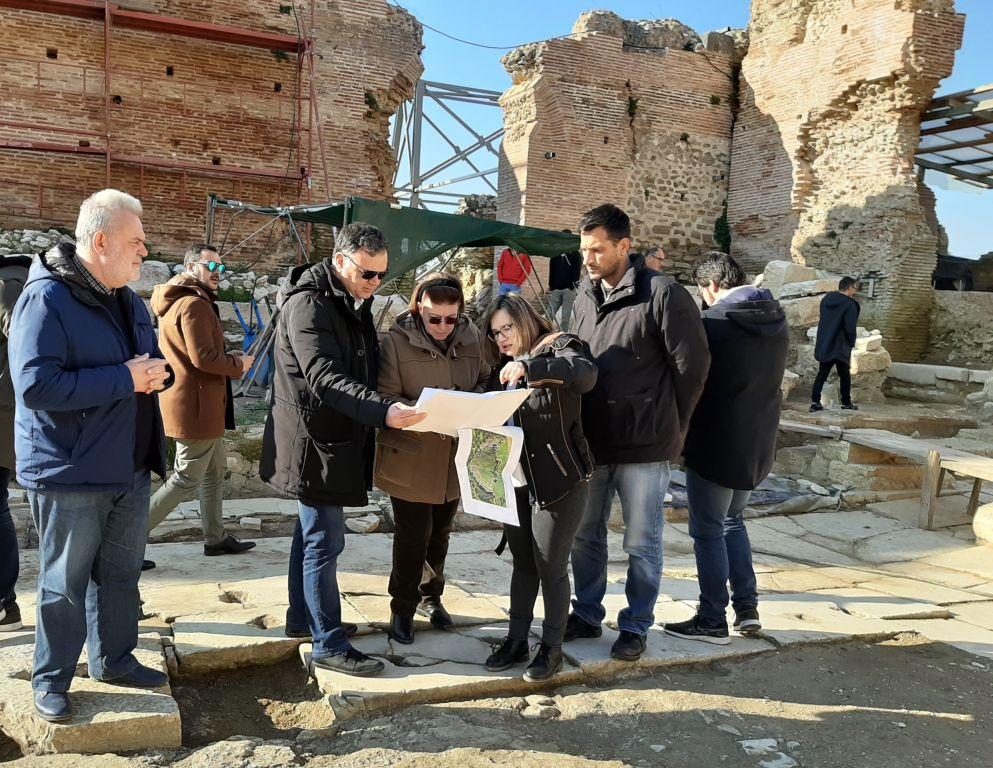 Πρέβεζα: Προτεραιότητα στην επίλυση χρονιζόντων αναστηλωτικών προβλημάτων των μνημείων της Αρχαίας Νικόπολης έδωσε η Λίνα Μενδώνη