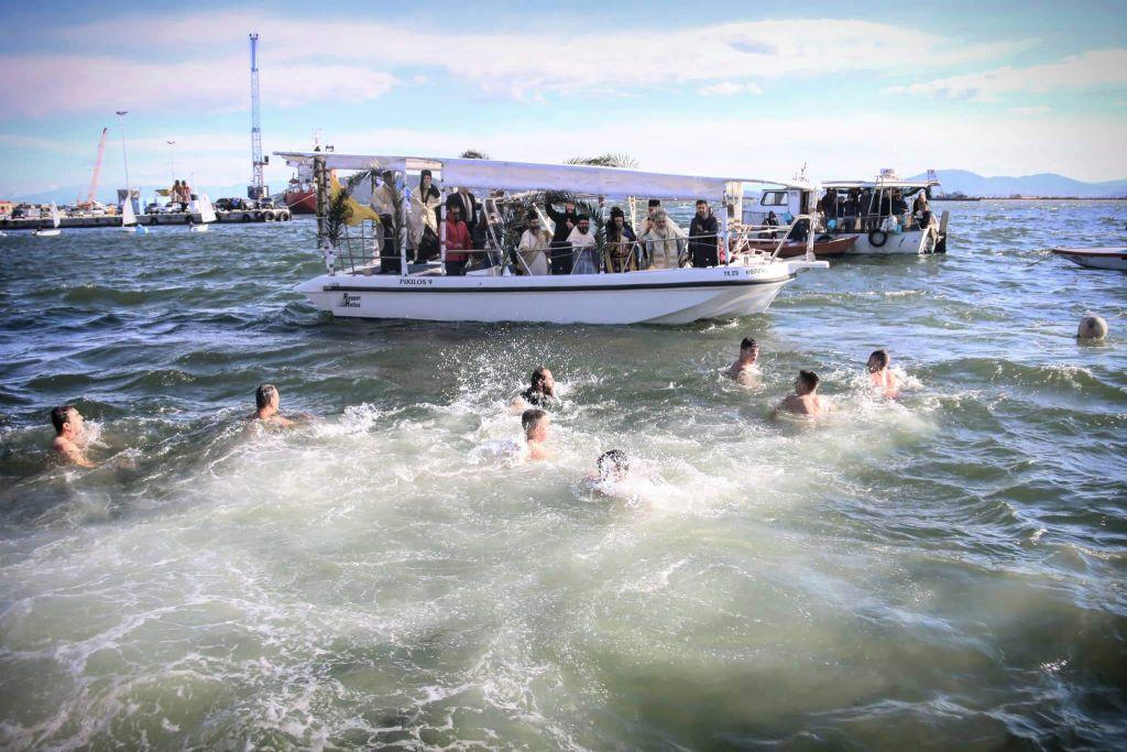 Θεοφάνεια 2020: Με λαμπρότητα ο Αγιασμός των υδάτων στην Πρέβεζα