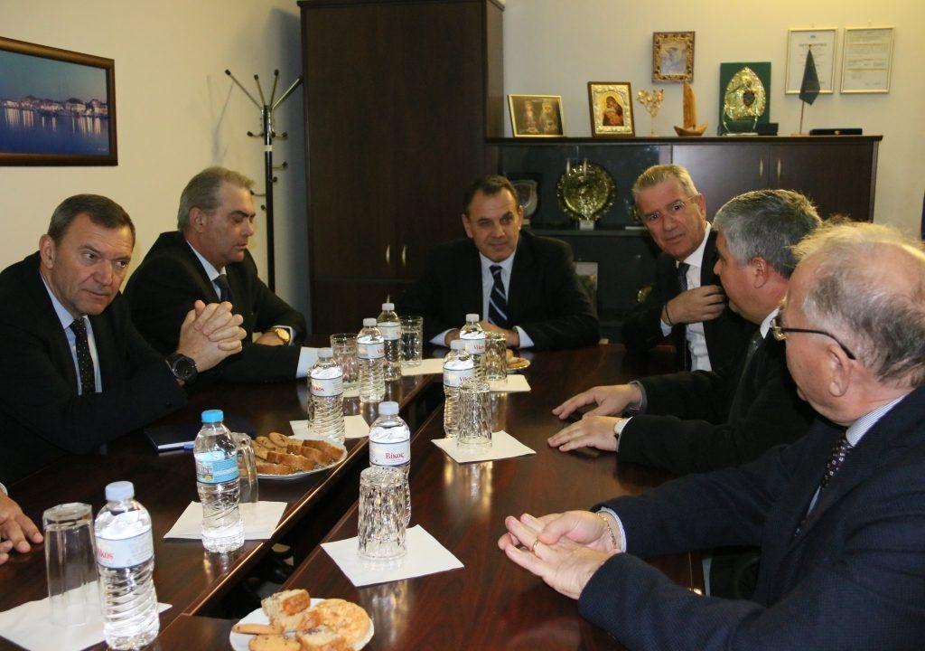 Πρέβεζα: Τα στρατόπεδα της Πρέβεζας στο τραπέζι της συζήτησης με τον Υπουργό Εθνικής Άμυνας