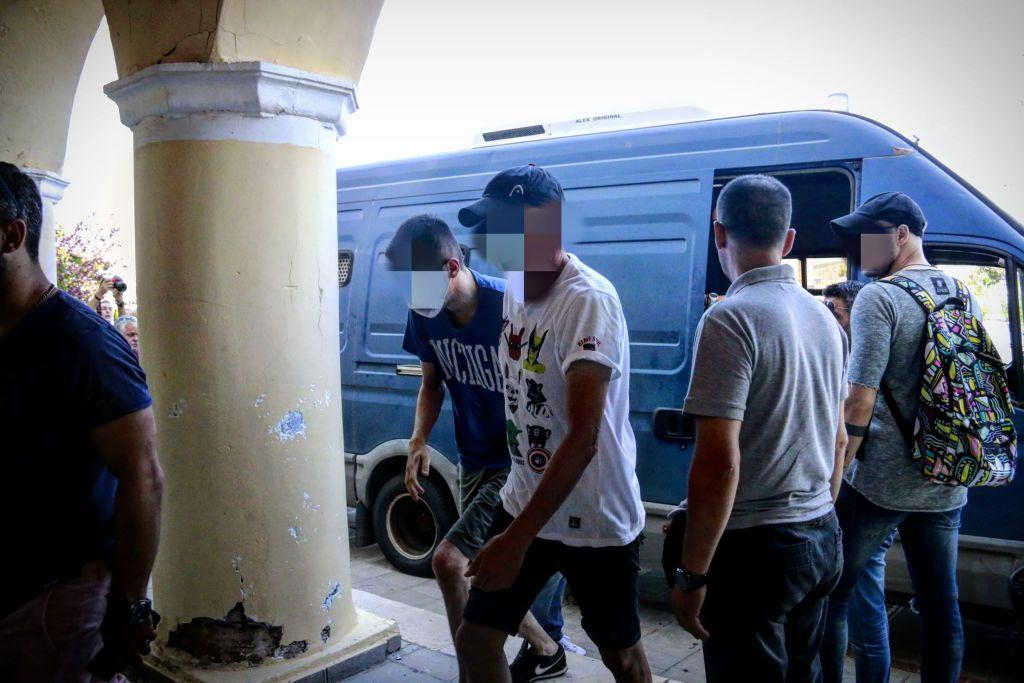 Ποινική δίωξη σε βαθμό κακουργήματος για τους 9 από τους 11 συλληφθέντες – Ελεύθεροι αφέθηκαν οι δύο