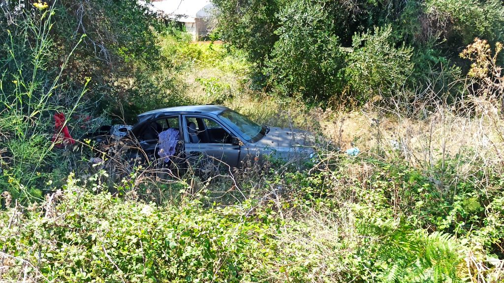 Σοβαρό τροχαίο στην Πρέβεζα – Εκσφενδονίστηκε από το όχημα ο ένας οδηγος
