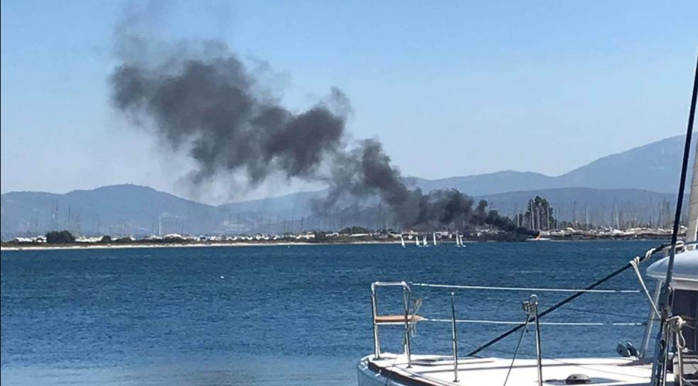 Πρέβεζα: Βυθίστηκε το σκάφος που κάηκε στο Άκτιο – Η ανακοίνωση του Λιμενικού