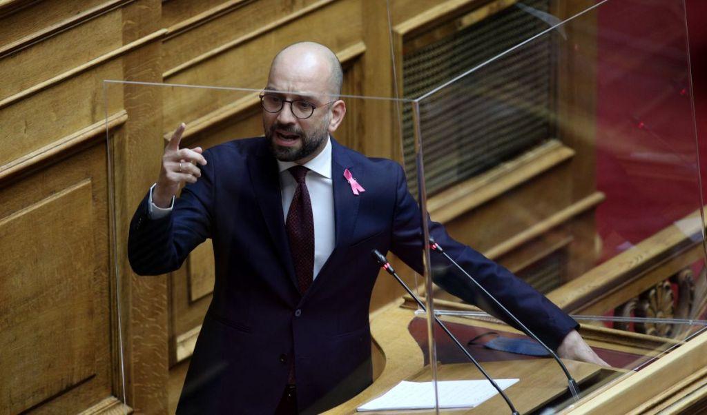 """Κώστας Μπάρκας : """"Ντρέπεστε με αυτά που νομοθετείτε και κρύβεστε, γιατί άλλα υποσχεθήκατε στον ελληνικό λαό"""""""
