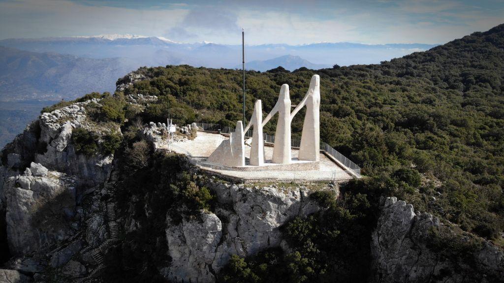 Ιδρύματος Ζογγολόπουλου : Η κατασκευή τελεφερίκ για εύκολη πρόσβαση στο μνημείο του Ζαλόγγου κρίνεται απαραίτητη