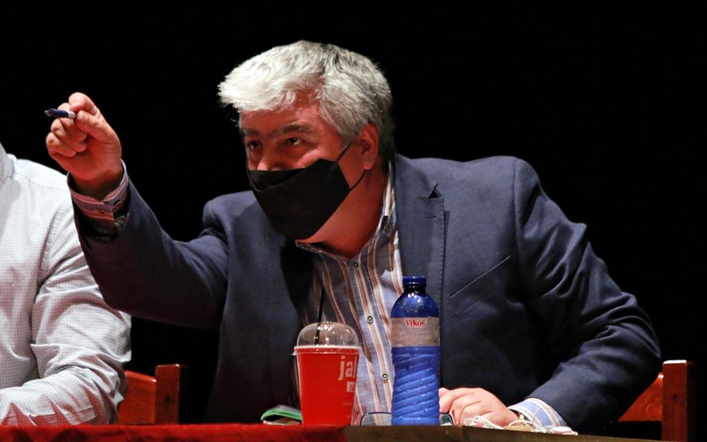 Έχασε την ψυχραιμία του ο Δήμαρχος Πρέβεζας – Σκηνές απείρου κάλλους στο Δημοτικό Συμβούλιο